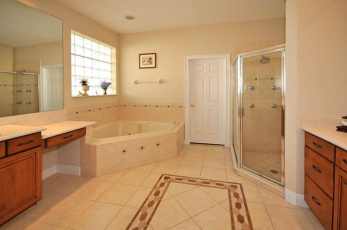 6652 Whispering Woods Pt Sanford FL - Master Bath