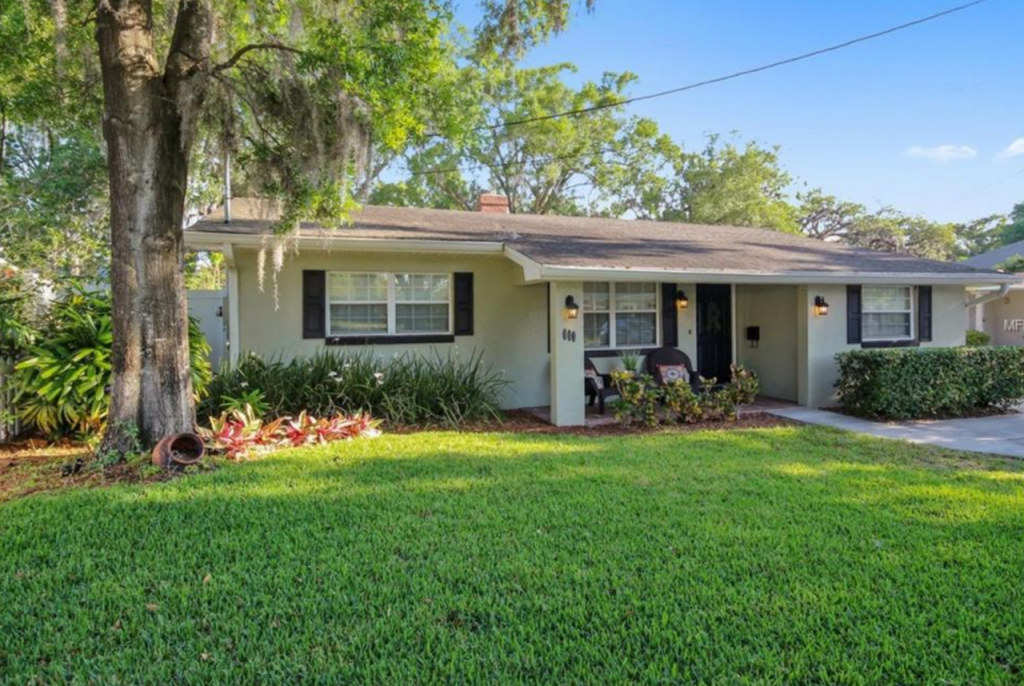 O5572559 COLDWELL BANKER RESIDENTIAL RE