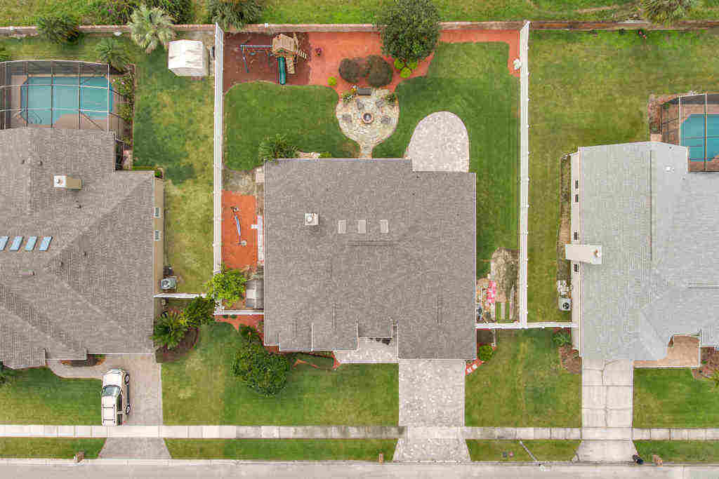 1620 Thornhil Circle from above